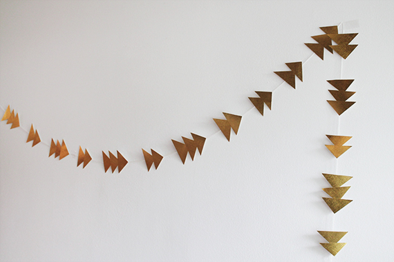 diy-triangle-garland-